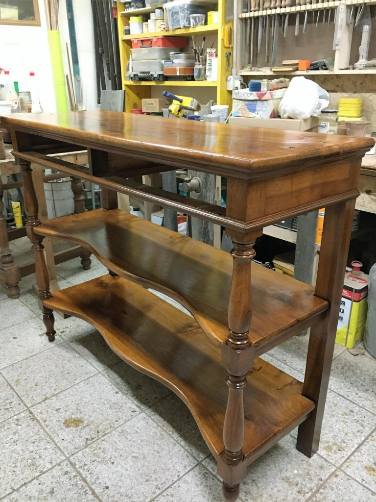 Restauro mobili antichi genova restaurando di maurizio lazzari restaurando - Restauro mobili impiallacciati ...